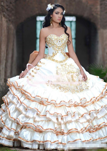Vintage 2017 Ball Gown Quinceanera dresses Sweetheart Beaded Collar Embroidery sleeveless Zipper Peplum rom debutante Custom Made dresses