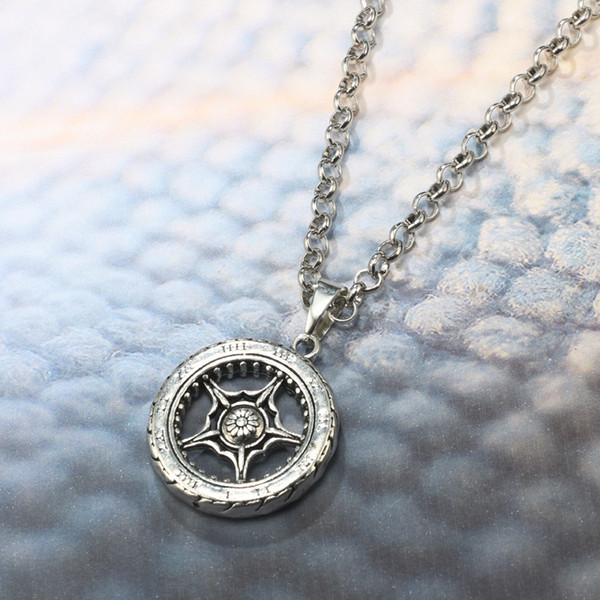 YiKLN Fashion Simple Five-pointed Star Hollow Tire Short Necklaces Clavicle Chain Female Models Pendant Necklace YG5678