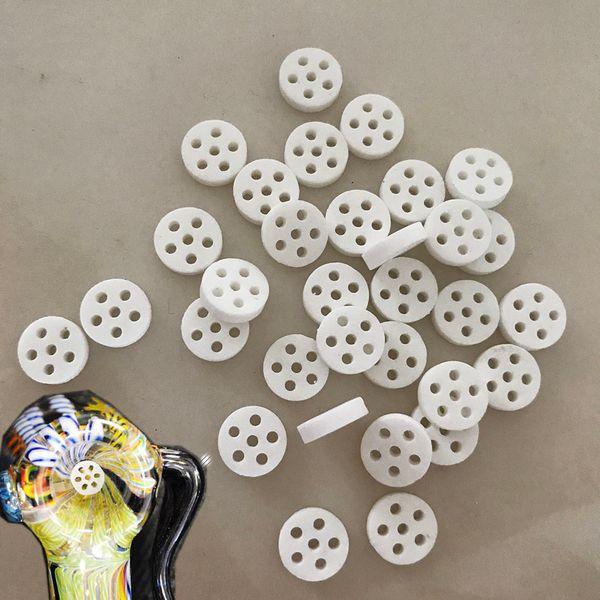 Pantalla de cerámica Filtro de humo Pantalla Tazón de vidrio Fumar Disco de nido de abeja Filtro de tubo de mano Pantalla 6 orificios Dia 8 mm * Grueso 2 mm