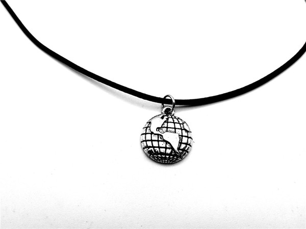 Outline Globe World Map Geography Pendant Necklace Travel Global Planet Earth Leather Rope Necklaces Personality Graduation Gifts