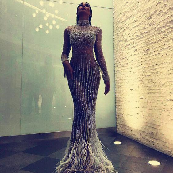 Evening dress Yousef aljasmi Kim kardashian Cap sleeve High collar Beaded Feather Long dress Almoda gianninaazar ZuhLair murad 0021