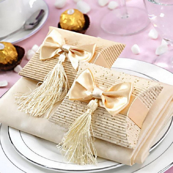 Beige And Red Paper Pillow Boxes For Gifts wedding Favors And Gift Bag Tassel wedding Candy Box Gift Box With Bow And Tassel