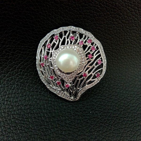 BR101918 White Pearl Cz Pave White Gold Plated Brooch