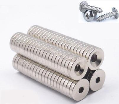 Dia15mm, spessore 3mm con foro M4 10pcs / bag Caldo foro duro di vendita caldo, magnete industriale, magnete vivente, magnete NdFeB