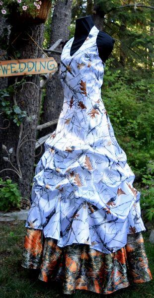 Branco E Caçador Laranja Camo Vestidos De Casamento 2018 Halter Neck Pick-ups Vestido De Noiva