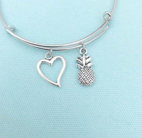 TROPICAL Fruit Pineapple & Heart Expandable Wire Bangles Vintage Silver Adjustable Cuff Charm Bangles For Women Jewelry Fashion Gifts Access