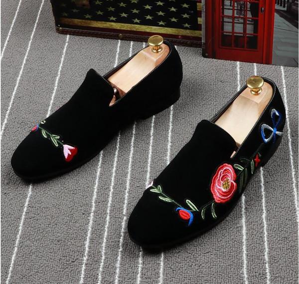 2019 Promotion New spring Men Velvet Loafers Party wedding Shoes Europe Style Embroidered black Velvet Slippers Driving moccasins for men