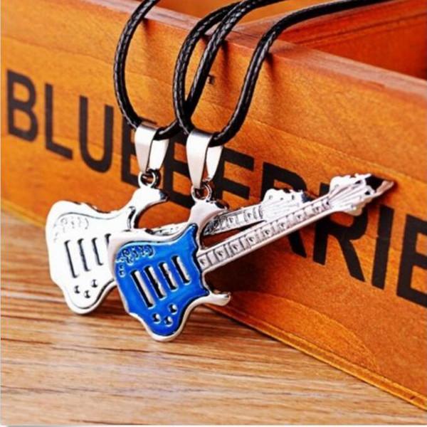 10pcs / lot Music Necklace Music Guitarra colgante de collar de aleación de guitarra en forma de collar colgante