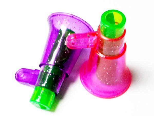 72X Apito De Plástico (Forma de Megafone) Pinata Loot - Fabricante de Ruído ideal Para Festa de Aniversário Jogo Favores Brinquedos Prêmio Presente