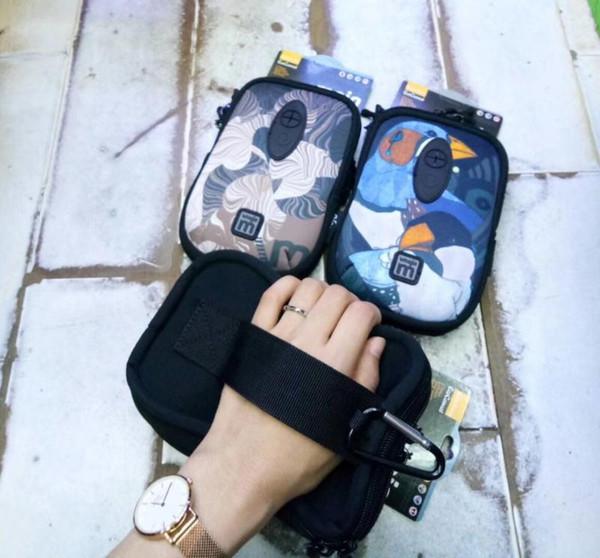 Il nuovo bracciale multifunzionale di alta qualità per esterni può essere equipaggiato con un portachiavi per cellulare con borsa per il bagaglio a mano