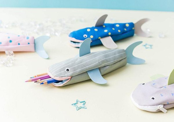 24*7cm Cartoon Cute Shark Pencil Case Canvas zipper Pencil Pouch Personality Stationery Fabric Bags Pencil Box Gift for Kids Zero Wallet