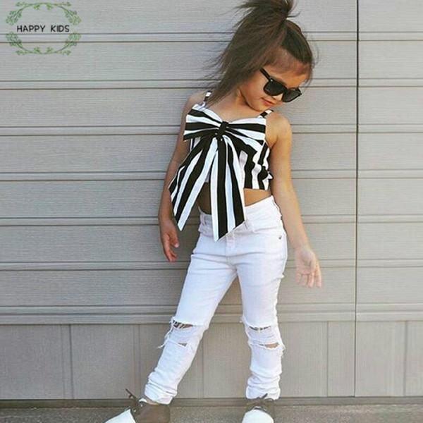 2018 Moda Meninas Terno Stripe Tops + Calças 2 Peças O Conjunto Strapless Crianças Bowknot Buraco Calças Brancas Conjunto de Roupas Crianças Dtz346