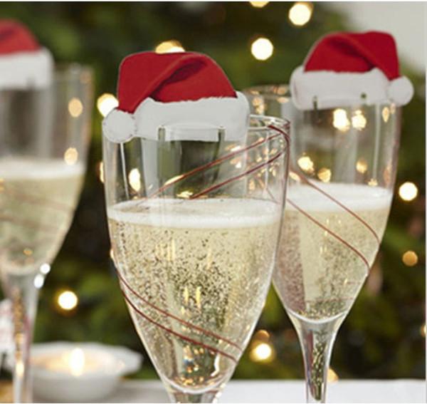 10 adet / grup Merry Christmas Noel Baba Şapka Şarap Cam Kapaklar Noel Tatil Dekorasyon Noel Yeni Yıl Masa Yer Kartları