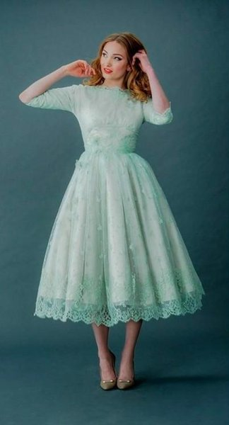 Vintage Bridesmaid Dress Lace Prom Dresses Bateau Neck Half Sleeves Mint Green Tea Length Backless Wedding Party Dresses With Sleeves