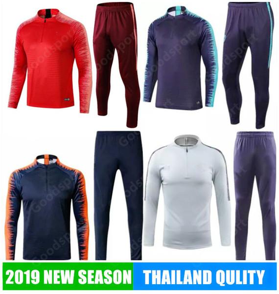 Grosshandel 2019 Herren Training Kits Outfits Trainingsanzug Jersey Iniesta O Dembele Pique Fussball Fussball Calcio Futbol Heisser Verkauf Messi Shirts