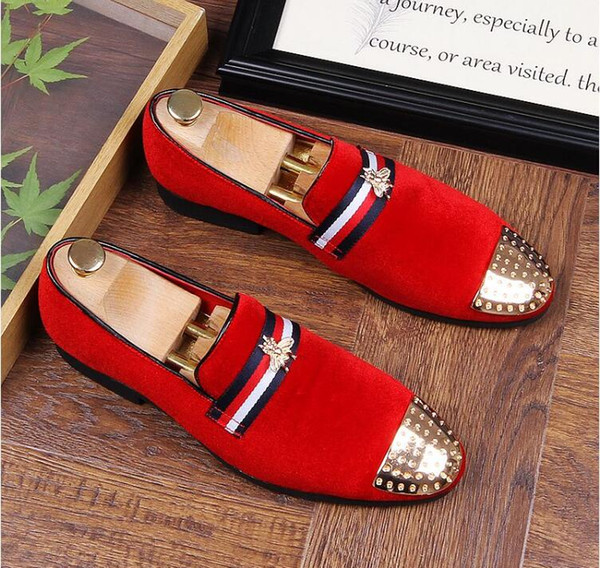 New 2018 mens fashion velvet embroidery loafers pointed toe slip on flat casual shoes driving velvet shoes red black moccasins size 38-43