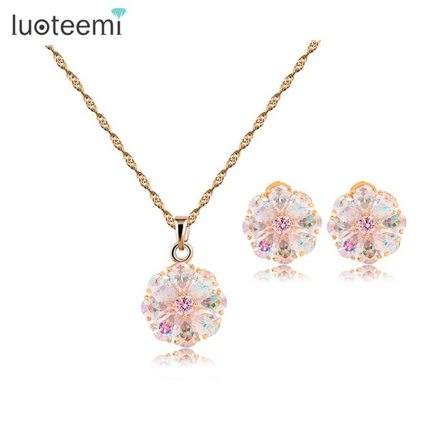 whole saleLUOTEEMI New Russian Hot Design Luxury Perfect Champagne Gold-Color Rainbow Cubic Zircon Girls Flower Necklace Earrings Set