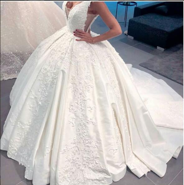 2019 White Ball Gown V Neck Wedding Guest Dresses Satin Plus Size Reception Backless Wedding Bridal Gowns Dresses