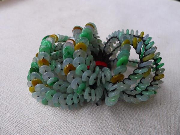 Royal Chui Fang Myanmar naturel A cargo tricolore boucle de sécurité bracelet jade jade