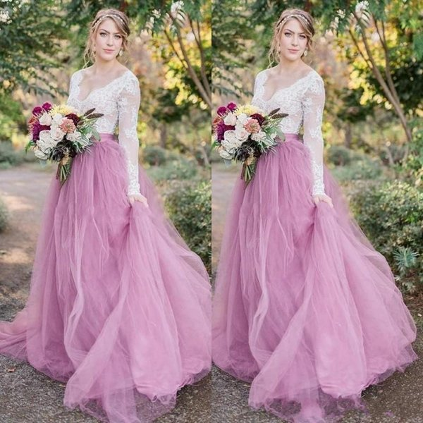 Bright Lilac Garden Country Wedding Dresses Deep V Neck Long Sleeves Lace Appliques Tulle Bridal Dress Glamorous Boho Beach Wedding Gowns