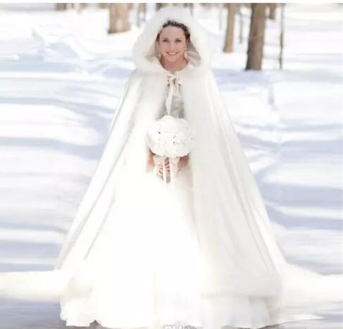 2018 nuovo caldo a buon mercato nuziale del capo inverno pelliccia donne giacca da sposa lunghezza del pavimento di Natale mantelli su misura lunga festa cappotto di nozze
