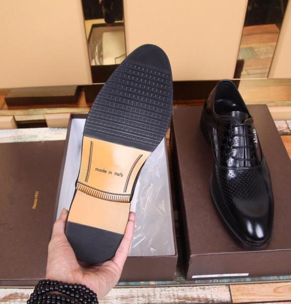 Sapatos de couro designer de marca deslizamento em preto marrom italiano formal vestido mocassins apartamentos masculinos tomadas homens sapatos casuais sapatos de couro dos homens