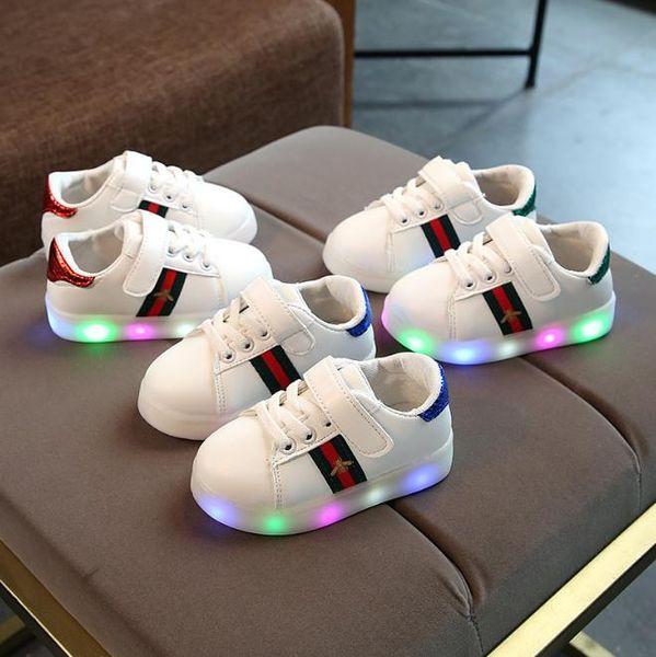 Kinder Mädchen Schuhe Stickerei Kinder Schuhe 2018 Herbst Mode LED-Beleuchtung Jungen Mädchen Freizeitschuhe
