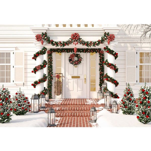 Front Door Winter Christmas Party Background Stampato Garland Vines Entangled Pillars Red Balls Pine Trees Foto di bambini Fondali