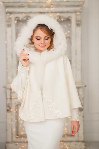 Faux Fur Bridal Wraps Winter Warm Batwing Long Sleeve For Wedding Evening Prom Party Jackets Coats Ivory Shawl Shrugs Cloaks Blero With Hats