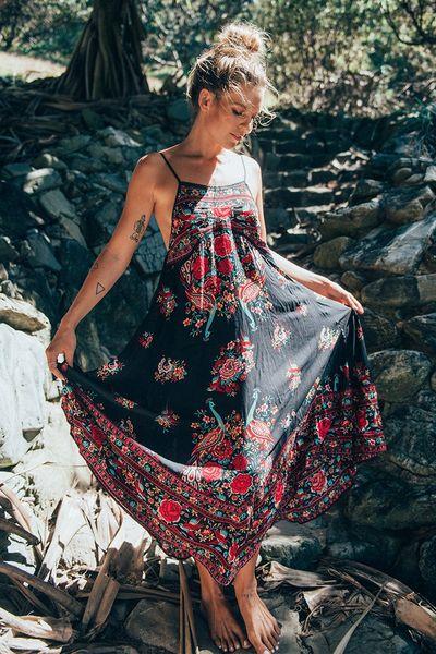 Sexy spaghetti strap Bohemian beach dresses fashion floral print maxi long dress Women summer seaside holiday Eleagnt Boho party dress 2018