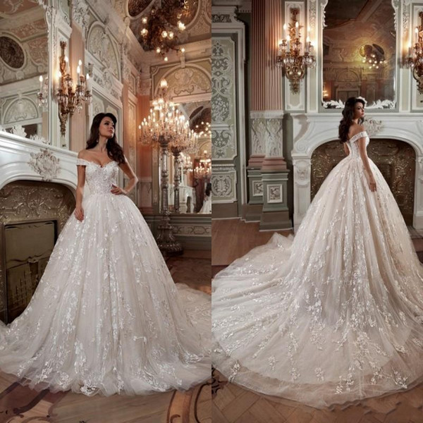 2019 Fall Designer Off the Shoulder Wedding Dresses Luxury Ball Gown Appliqued Lace Wedding Dress Chapel Train Bridal Gowns BA9392