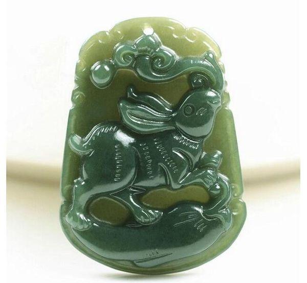 Al por mayor - Collar de colgante de regalo de jade conejito verde natural tallado a mano