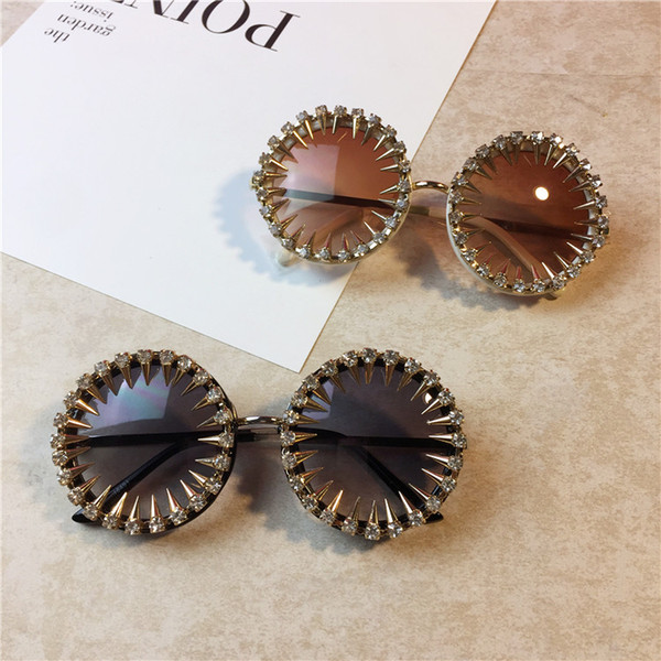 Men women designer sunglasses Cool Fashion rivet steampunk Sun glasses Rhinestone Round Women beach Sunglasses Unique Style UV400