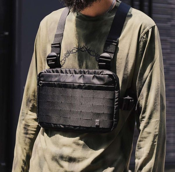 Kanye West with the hip hop street ALYX tactical chest bag tide function black nylon cloth pocket