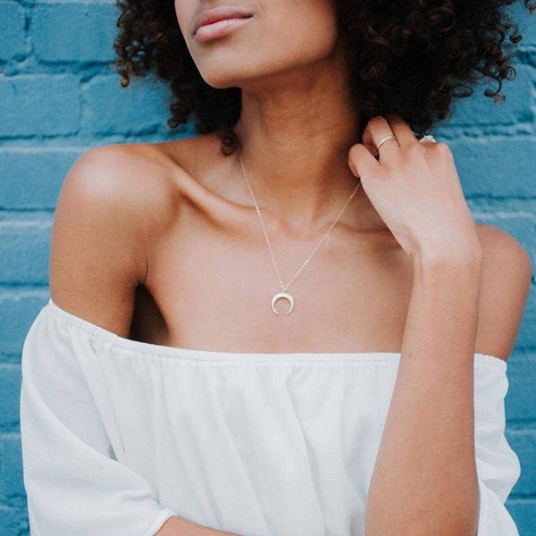 European and American style simple personality gold ox horn moon pendant necklace lady collarbone necklace