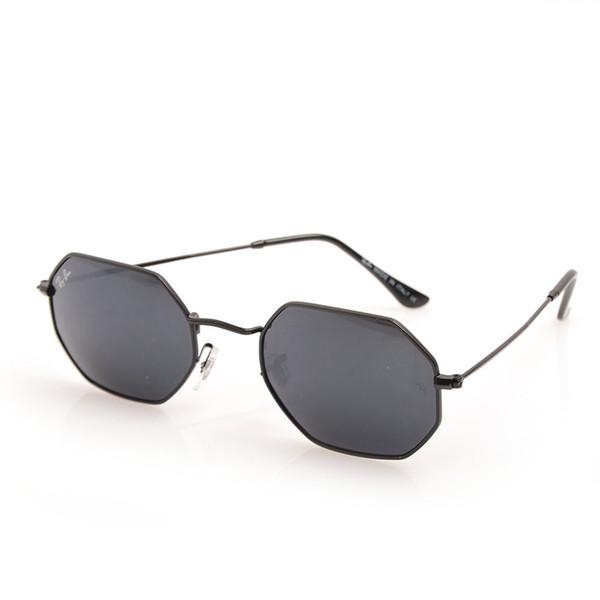 black Frame gray Lens