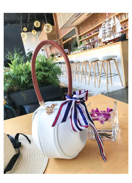 Petit sac mode coréenne serrure créative nouveau petit sac rond frappé couleur foulard en soie lanternes portatives sacs à main en gros
