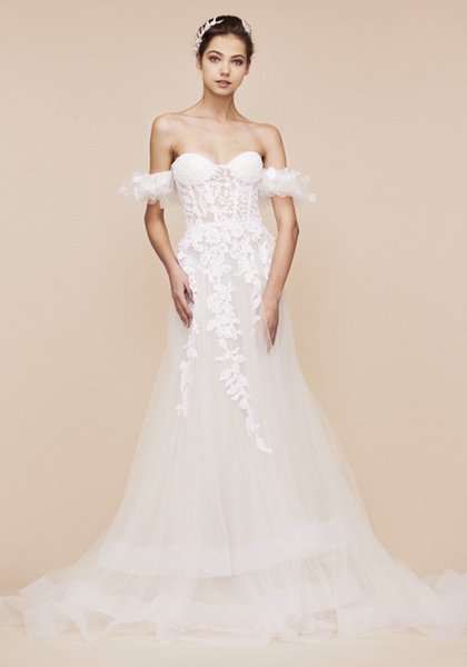 2019High-end customization handmade Off-Shoulder Fit & Flare Wedding Dress in Tulle
