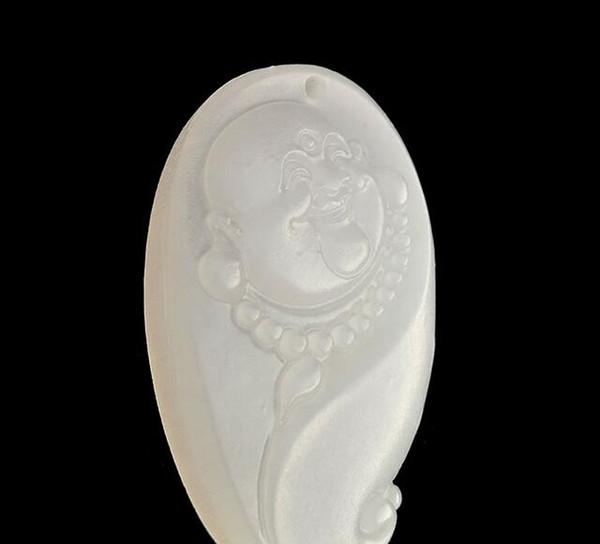 Collana con pendente a testa di Buddha di giada bianca naturale in giada bianca con testa di Buddha