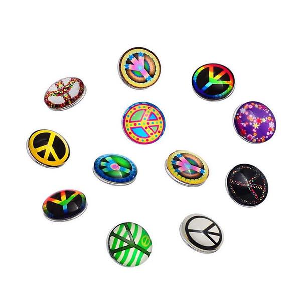 50 unids / lote Mezclar Estilos Botón de Alta Calidad Charm 18 mm Peace Glass Button Fit Ginger Snap Button Joyería