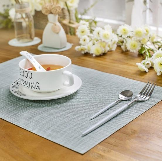 Placemats , Heat Insulation Washable Placemats PVC Cross weave Woven Vinyl Table Mats for Kitchen Table
