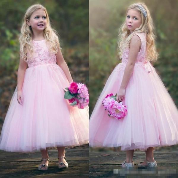 2018 Cute Kleinkind Kids Pink Blumenmädchen Kleider für Western Country Hochzeiten eine Linie Prinzessin Jewel Neck Tee Länge Mädchen Geburtstag Kleid
