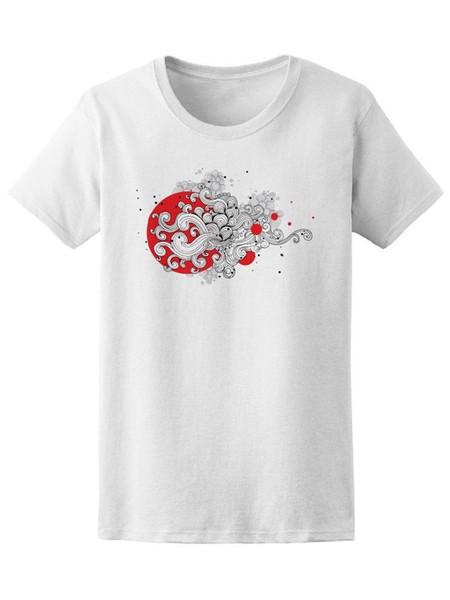 Camiseta de mujer hermosa remolinos Doodle - imagen por Shutterstock