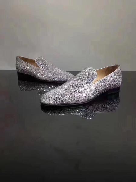 Luxury Exquisite Crystals Mens Red Bottom Mocassini Scarpe Abito da sposa Casual Walk Shoes Lavoro d'ufficio Made in Italy Scarpe oxford Size35-47