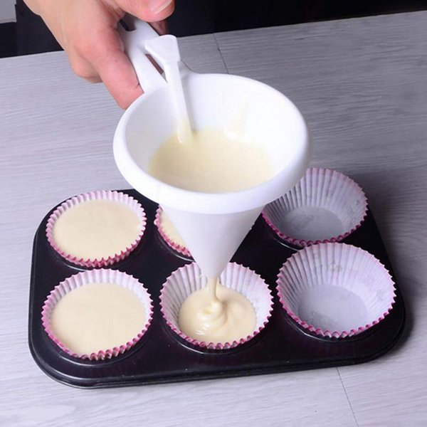 Adjustable Cream Cake Chocolate Funnel Butter Candy Icing Paste Funnel Handheld Measuring Cup For Baking Cake Decorating Tools