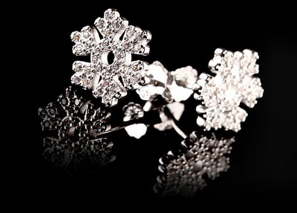 Wholesale Fashion Santa Claus Snowflake Christmas Gift Box Donuts Earrings Set Snow Gift Hat Bell Milu deer Tree