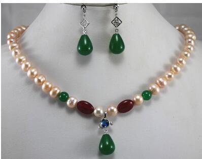 Juego de pendientes perfectos de 8mm perla rosa y collar de tonos jades verdes combinados