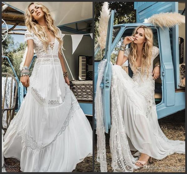 Vintage Crochet Lace Bohemian Vestidos de Casamento de Praia 2019 New Inbal Raviv Manga Curta Com Decote Em V Flare Flare Verão Férias Vestido De Noiva