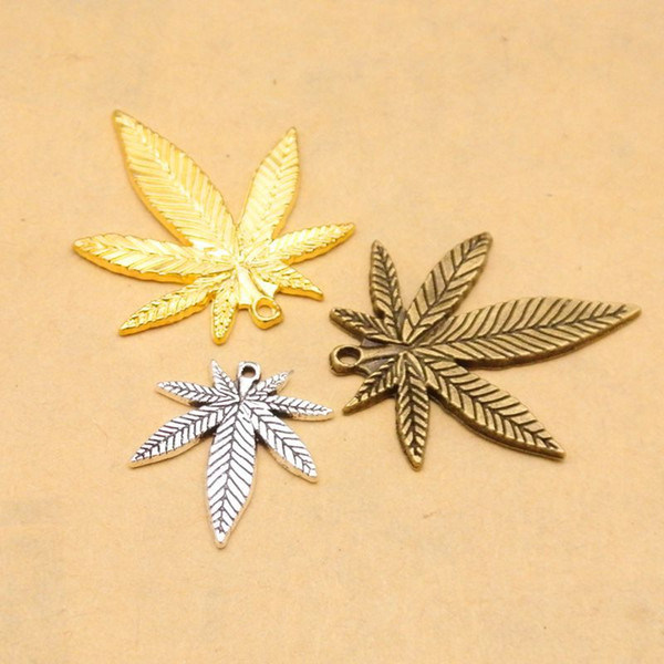 50pcs/lot Zinc Alloy Maple Leaf Pendants Gold/Antique Bronze/Antique SilverTree Charms for Jewelry Findings Accessories 33x39mm Conversion : 1 inch = 2.54 cm or 1 cm = 0.3937 inch) Category:Jewelery Gender:Women's Occasion:Anniversary, Special Occasion, Party, Gift,Birthday, Engagement, Wedding Jewelry Findings & Components