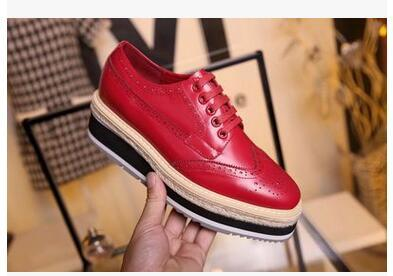 Ms brand ladies leather shoes sell like hot cakes fashion large base of England wind of carve patterns or designs on woodwork leather rubber